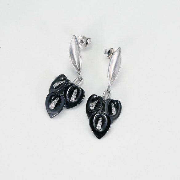 Fekete kála virágos fehérarany fülbevaló