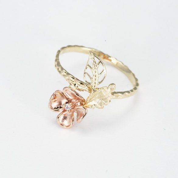 Rosé virág mintás arany gyűrű