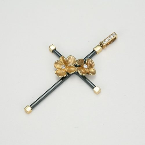 Fekete kerszt arany medál VE1615