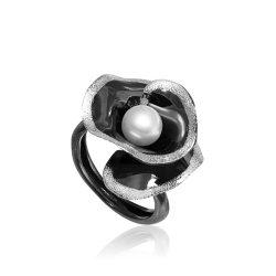 Ezüst Athina Gyűrű – oxidált ródiumos tölcsér forma gyönggyel