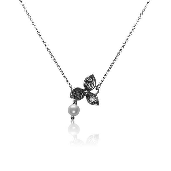 Ezüst Oxidált Athina Nyaklánc Gyönggyel és Virág mintával