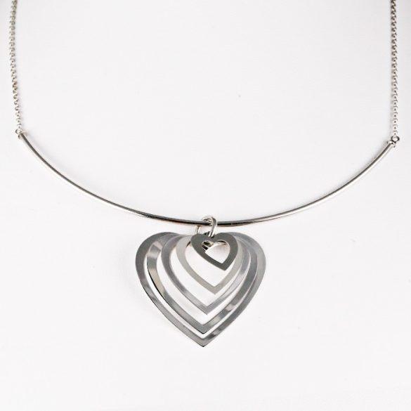 Ezüst Nyaklánc sok szív medállal